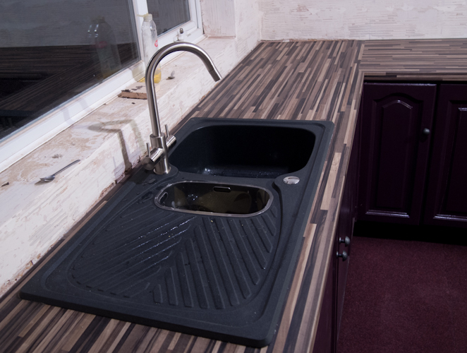 Leisure Uniline Neostone Granite Black sink
